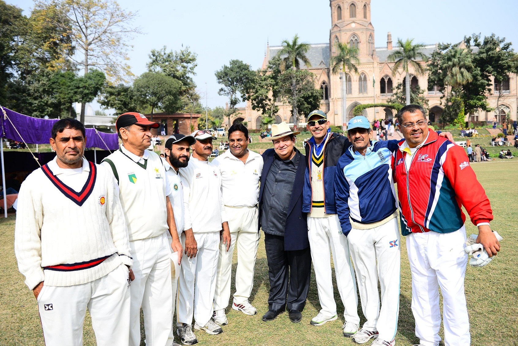 Group photo of Old Ravian Cricketers