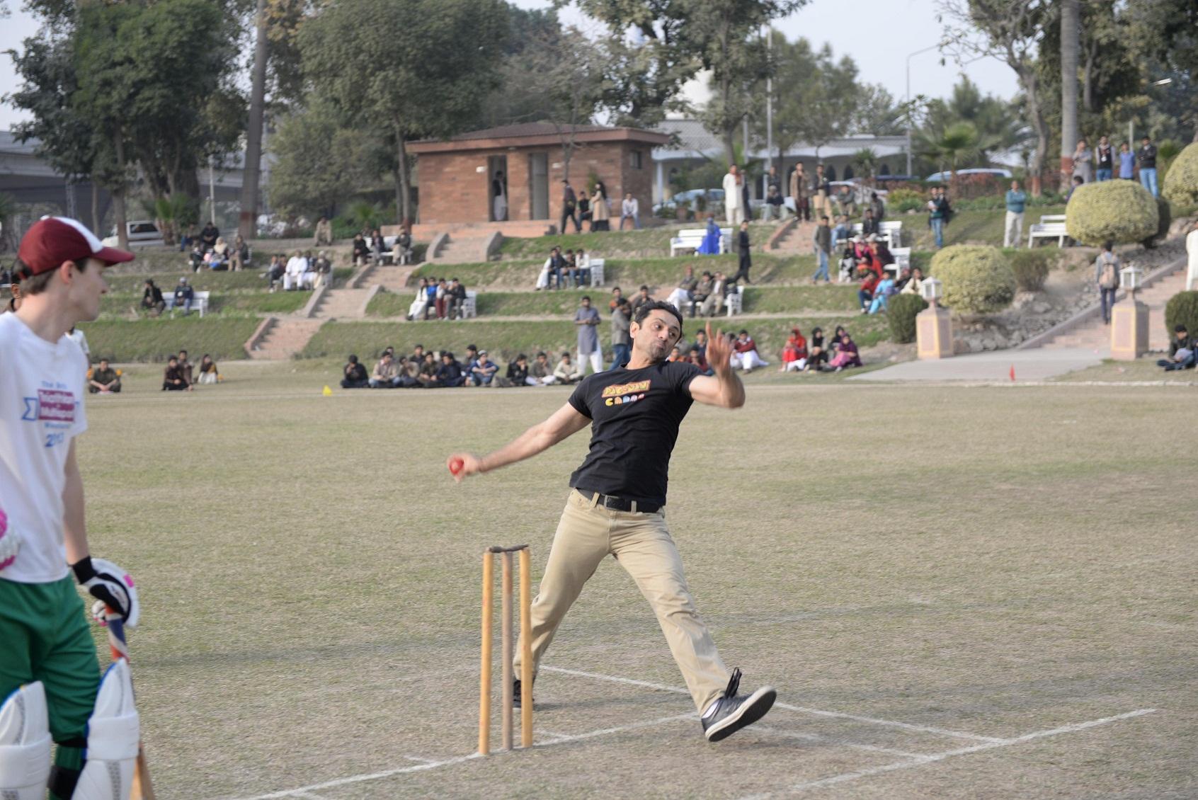 Bowling of Ali Tahir